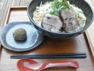 津野山牛 角煮ラーメン